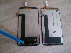 Оригинальный и неоригинальный экран Lenovo A859. Вид снизу