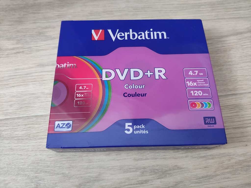Упаковка дисков DVD